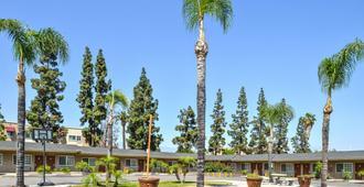 Americas Best Value Inn & Suites San Bernardino - סן ברנרדינו
