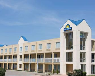 Days Inn by Wyndham West Des Moines / Clive - Clive - Building