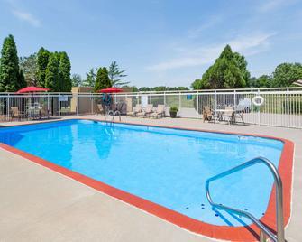Days Inn by Wyndham West Des Moines / Clive - Clive - Bazén