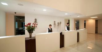 NM Lima Hotel - Lima - Front desk