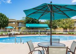 貝斯特韋斯特戰場酒店 - 馬納沙斯 - 馬納薩斯 - 游泳池