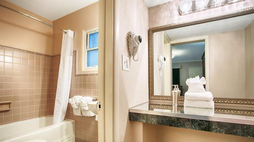 Best Western Route 66 Rail Haven - Springfield - Bathroom