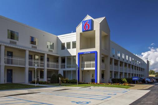 Motel 6 Buffalo Airport - Williamsville - Rakennus
