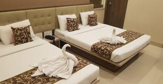 Hotel Sai Chhatra - שירדי