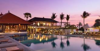 Bali Niksoma Boutique Beach Resort - קוטה - בריכה