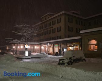 Hotel Des Alpes - Airolo - Gebouw