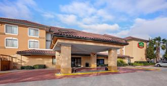 Courtyard by Marriott Houston-West University - Houston - Building