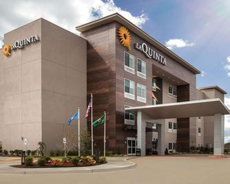 La Quinta Inn & Suites by Wyndham Owasso - Owasso - Building