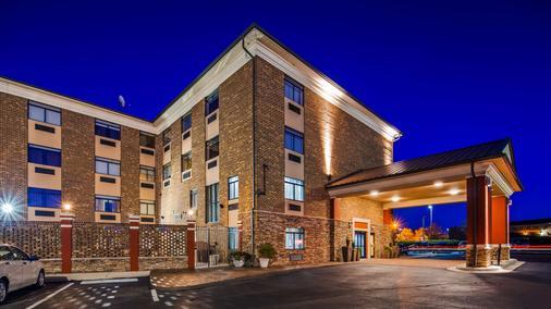 Best Western Plus Pineville-Charlotte South - Pineville - Gebäude
