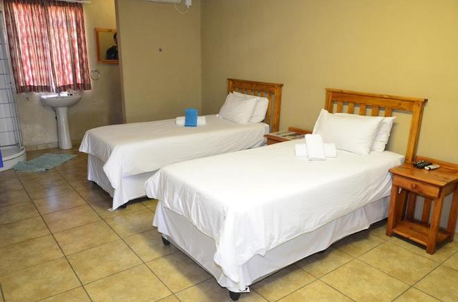 Sand River Resort - Musina - Bedroom
