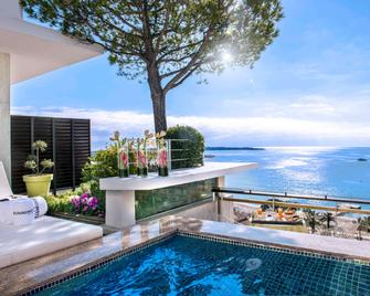 Le Grand Hotel Cannes - Cannes - Phòng ngủ