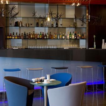 NH Madrid Las Tablas - Μαδρίτη - Bar
