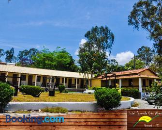 Hotel Fazenda Céu Aberto - Гравата - Здание
