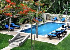 Tranquil Negombo Boutique - Negombo - Pool