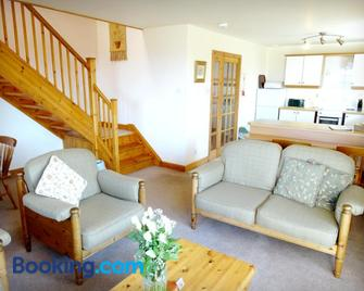Carden Holiday Cottages - Elgin - Huiskamer
