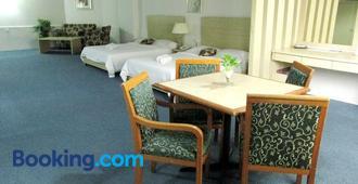 長廊公寓式酒店 - 亞庇 - 臥室