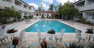 Nettie's Place at Casuarinas - Nassau - Pool