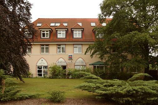 Andersen Hotel Birkenwerder - Birkenwerder - Building