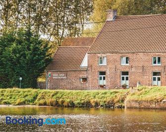 B&b Hoeve Westdijk - Oostkamp - Gebouw