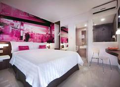 favehotel PGC Cililitan - Jakarta - Bedroom