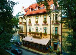 쇼팽 호텔 - 리보프 - 건물