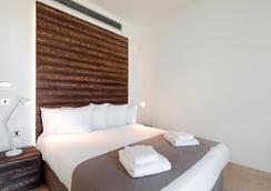 Amphora Hotel & Suites - Paphos - Bedroom