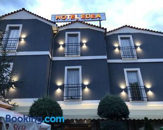 Hotel Edea - Korça - Gebäude