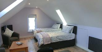 The Hollies on the Wall - Carlisle - Bedroom