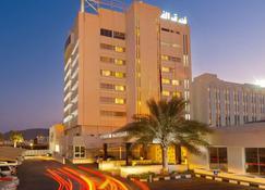 Al Falaj Hotel - Muscat - Building