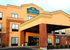 La Quinta Inn & Suites by Wyndham Springfield Airport Plaza - Springfield - Bygning