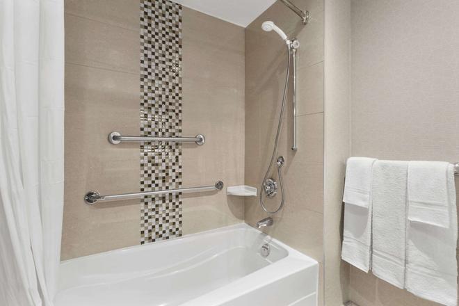 渥太華市中心戴斯酒店 - 渥太華 - 渥太華 - 浴室