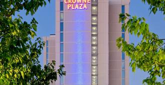 Crowne Plaza Chicago O'Hare Hotel & Conference Center - Rosemont - Bina