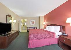 Days Inn by Wyndham San Antonio Near Fiesta Park - San Antonio - Bedroom