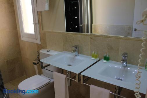 Hotel Leonor de Aquitania - Cuenca - Bathroom