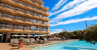 Volga Hotel - Calella - Pool