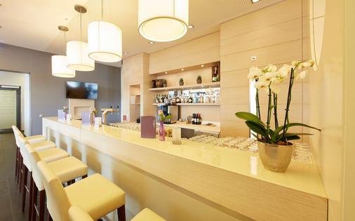 Ghotel Hotel & Living Koblenz - Koblenz - Bar