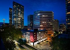 Staypineapple, Hotel Five, Downtown Seattle - Seattle - Building