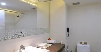 Taj Vilas - Āgra - Bathroom