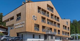 Hotel Dolomiten - Dobbiaco/Toblach - בניין
