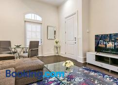 1 and 2 BR Luxury Condos Steps Away From French Quarter - New Orleans - Living room