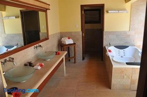 Cerf Island Resort - Victoria - Bathroom