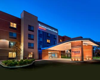 Fairfield Inn & Suites by Marriott Syracuse Carrier Circle - Ист-Сиракузы - Здание