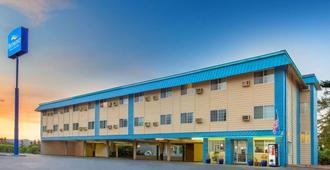 Baymont by Wyndham Roseburg - Roseburg - Edificio
