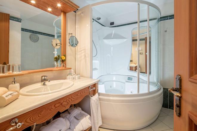 Hotel Chalet del Sogno - Madonna di Campiglio - Phòng tắm