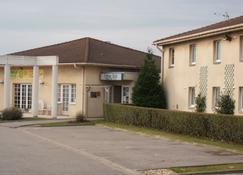 Logis Cottage Hotel Calais - Calais - Edificio