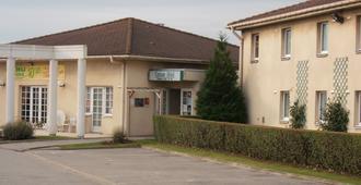 Logis Cottage Hotel Calais - Calais - Building