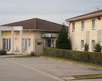 Logis Cottage Hotel Calais - Kales - Gebouw