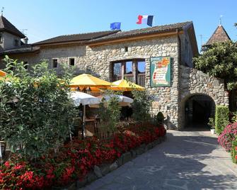 Hôtel Restaurant Le Vieux Logis - Saint-Cergues - Gebäude