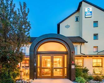 Best Western Blankenburg Hotel - Кобург - Building