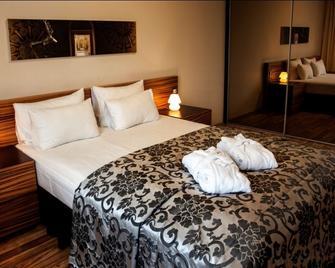 Ararat All Suites Hotel - Klaipėda - Bedroom